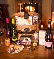 Traditional Wicker Hamper