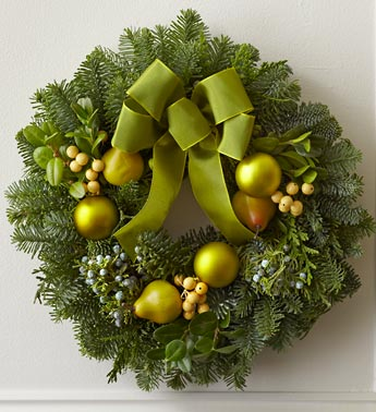 Green Pear and Berry Wreath
