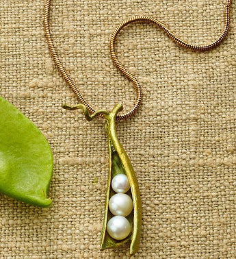 Pea Pod Necklace